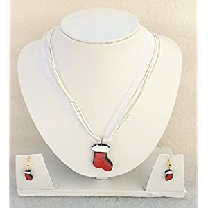 Anikalan Designs Christmas Stockings Pendant with earrings Terracotta Necklace Set
