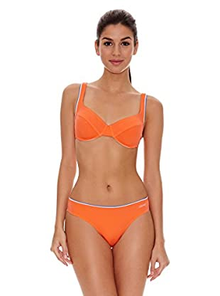 Bikini naranja arena Shauna