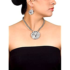 Koral Tree Lace Classic Necklace Set