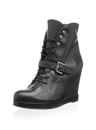 Surface to Air Women's Buckle Ankle Bootie (Black)