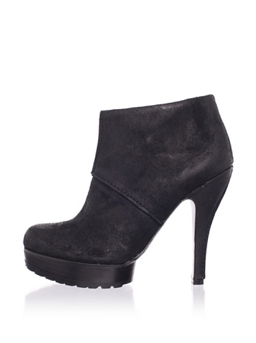 Modern Vintage Women's Jameson Bootie (Black)