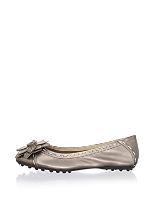 Adrienne Vittadini Women's Twiggy 2 Ballet Flat (Champagne)