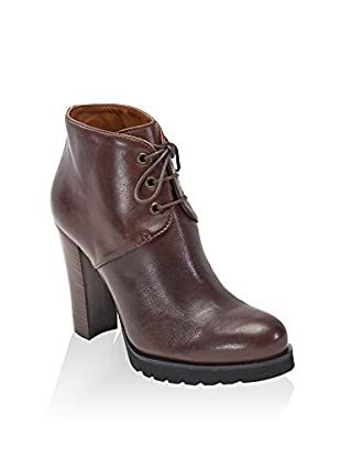 British Passport Ankle Boot Plain
