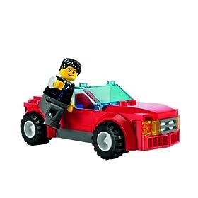 レゴの赤い車の写真