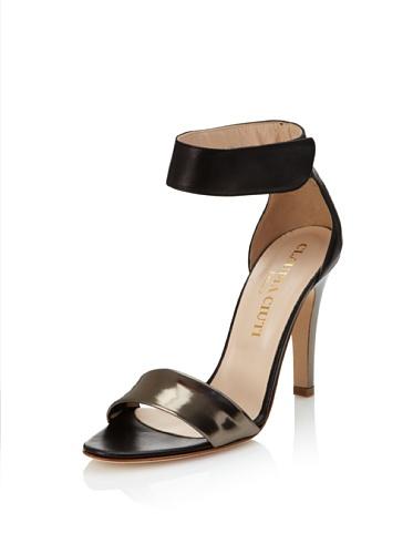 Claudia Ciuti Women's Movida Sandal (Black/Steel)