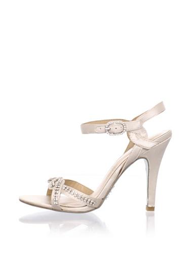 Le Soir Pour La Victoire Women's Estee Sandal (Ivory)