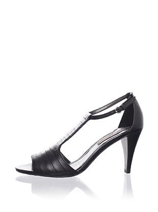 Adrienne Vittadini Women's Ari Sandal (Black)