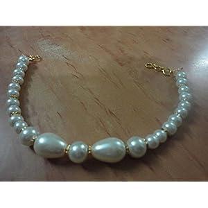 Mona Jewels Pearl Bracelet in Gold
