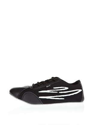 Nat-2 Sneaker Twist