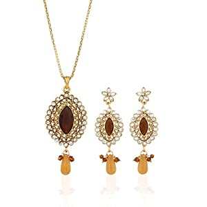 Rich Gold Plated Designers Jwellery Pendant Set