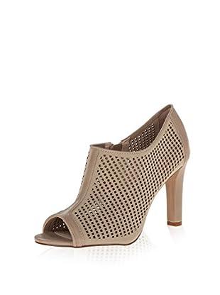 Calvin Klein Women's Kallie Shoe Bootie (Desert Nubuck/Cow Kansas)