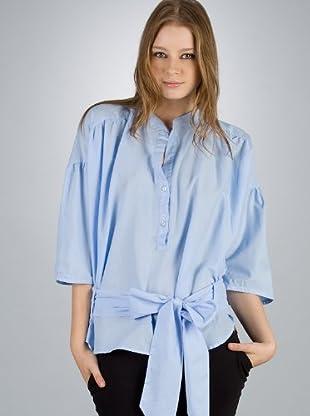 By Basi Camisa Iguala (azul celeste)
