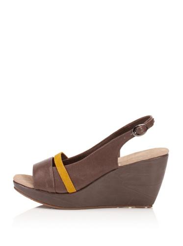 Chocolat Blu Women's Brooke Platform Sandal (Taupe)