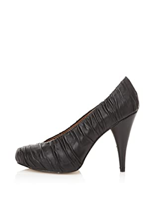 Messeca Women's Alicia Ruched Pump (Black)