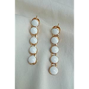 No Strings Attached Five White Dot Train Dangler Earring