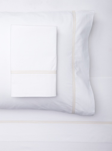 sOUP Home Mead Solid Sheet Set with Contrast Stitch (White/Natural)