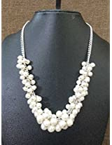 Pearl cluster necklace