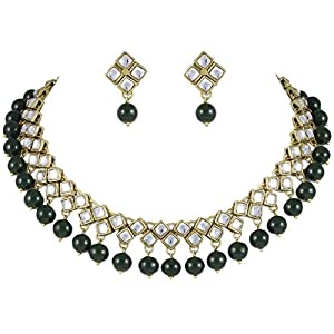 Karatcart Kundan And Green Beads Necklace Set for Women