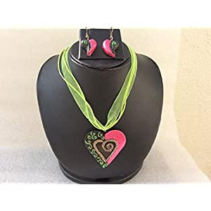 Anikalan Designs Black & Pink Heart Pendant Terracotta Necklace Set