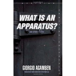【クリックで詳細表示】What Is an Apparatus? and Other Essays (Meridian: Crossing Aesthetics) [ペーパーバック]