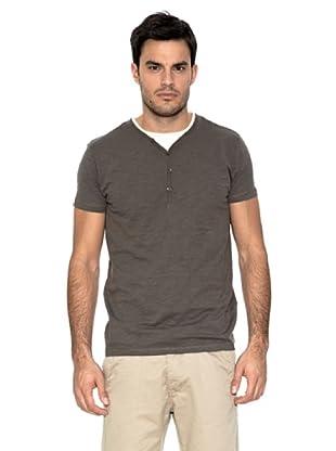 Springfield Camiseta Básica (Marrón Oscuro)