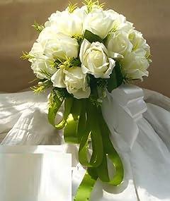 結婚式に元カレを呼んだ新婦は将来「不倫に走りやすい」