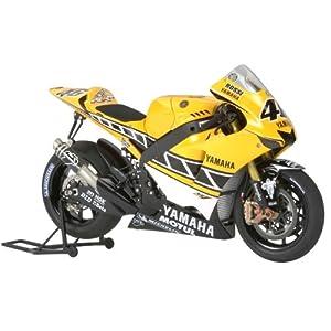 【クリックでお店のこの商品のページへ】Amazon.co.jp | 1/12 オートバイシリーズ No.114 1/12 ヤマハ YZR-M1 50th アニバーサリー US インターカラーエディション No.46 14114 | ホビー 通販