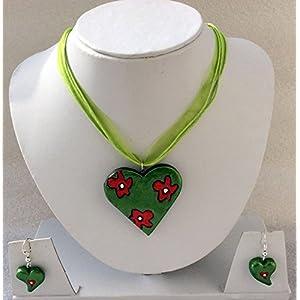 Anikalan Designs Green Flower Heart Pendant Terracotta Necklace Set