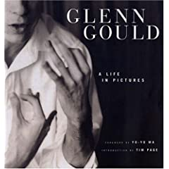 Glenn Gould: A Life in Pictures(グールドの写真集)のAmazonの商品頁を開く