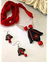 Black and red terracotta pendant with thread beads with earrings