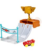 Disney/Pixar Cars Hydro Wheels Piston Cup Splash-Off Playset