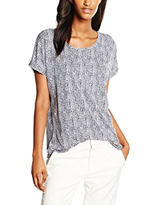 B. Young Blusa