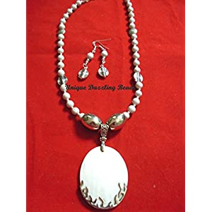 Unique Dazzling Beads Awesome Shell Pendant