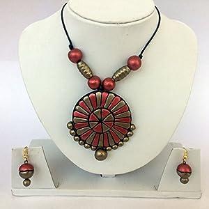 Anikalan Designs Golden Maroon Pendant Terracotta Necklace Set
