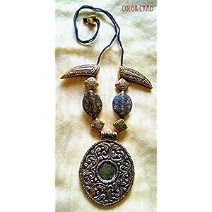Color Crab - Tribal Oval And Horn Neckpiece