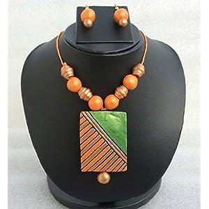 Anikalan Designs Golden Green Pendant Terracotta Necklace Set