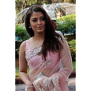 Aishwarya Rai Bachchan Spotted In Light Pink Saree At Ficci Frames-2011