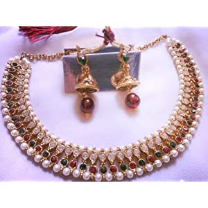 Stone and pearl necklace with earrings