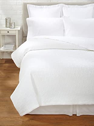 Belle Epoque Rose Coastal Matelassé Coverlet (White)
