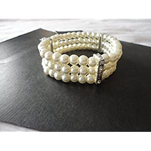 Mona Jewels Three Stringed Pearl Elastic Bracelet