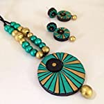 Metallic green and gold round pendant set with earrings