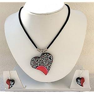 Anikalan Designs Black & White Heart Pendant Terracotta Necklace Set