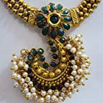 FASHION'S EXCLUSIVE SIMPLE GOLD TONED ALLOY 'J' SHAPED JEWELLERY SET FOR WOMENS