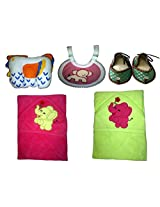 Childhood pillow,bib,juti,towel,and towel