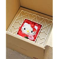 参考画像5:箱に入った状態=ロイヤルガストロ ハローキティのフラワーギフト ワイヤースタンド・タイプ・プリザーブドフラワー・箱入り