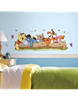 RoomMates Pooh and Friends Outdoor Fun Gnt (Multi Color)