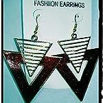 Triangular shape earing