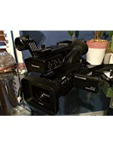 Panasonic HMC40KIT Camcorder and Mic Adapter/Holder with 12x Optical Zoom with 2.7-Inch LCD (Black)