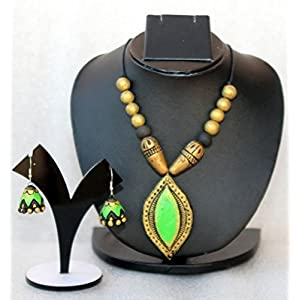 Anikalan Designs Golden Green Teardrop Pendant Terracotta Necklace Set
