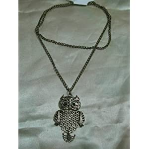 Stylish owl pendant with long chain